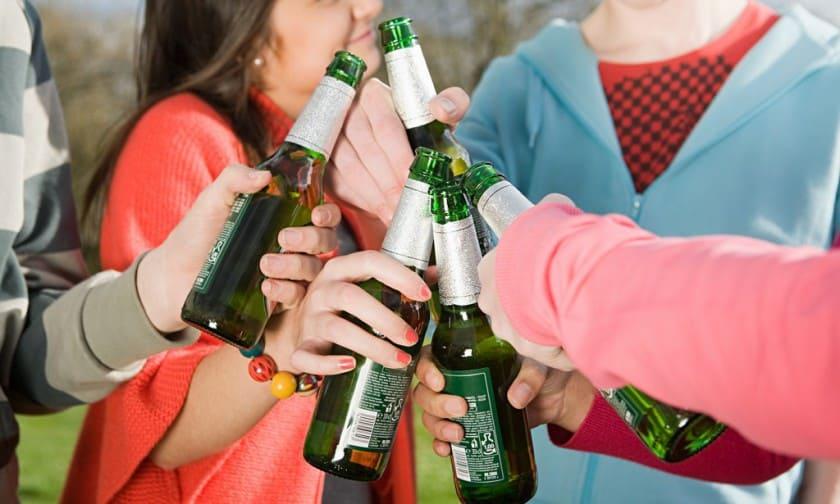 Детский алкоголизм: причины возникновения и последствия